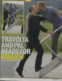 Travoltakissing_2